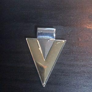 Jewelry - Triangle pendant silvertone/goldtone